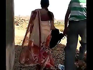 Desi mallu aunty outdoor sex