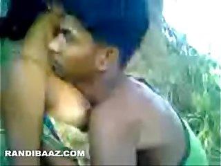 Desi outdoor sex tape