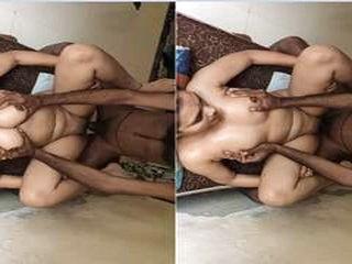 Today Exclusive- Sexy Desi Girl Boob Pressing...