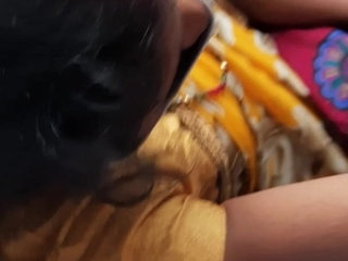 Bhabhi enjoyed gropping